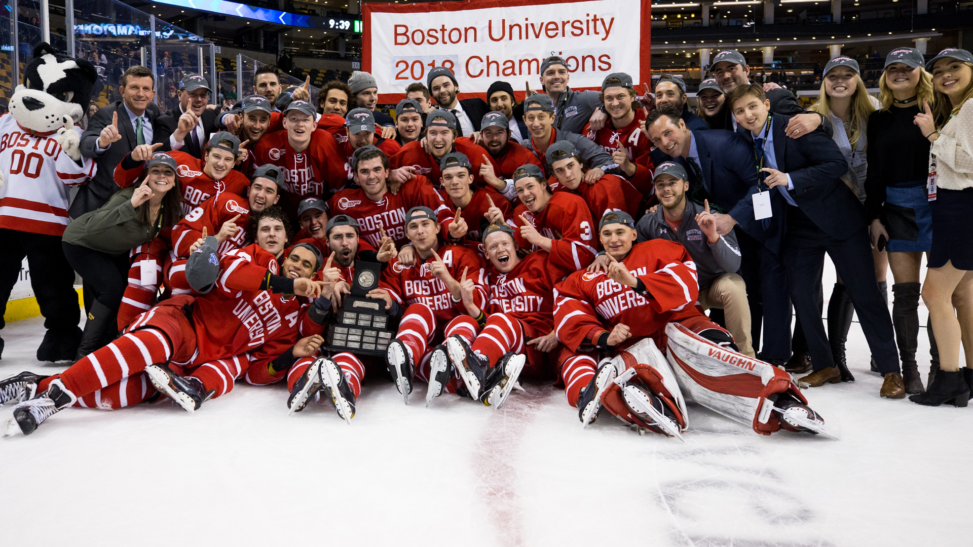 Terriers Claim Ninth Hockey East Title with 2-0 Win over